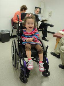 kursi roda pediatrik